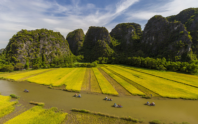 Cambodia And North Vietnam Tour Package