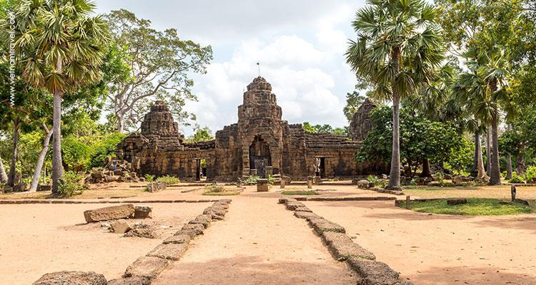 Cambodia-Phnom-Penh-Tonle-Bati-1