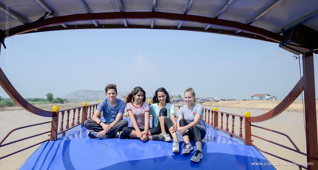 Cambodia-Siem-Reap-Tonle-Sap-Lake-11
