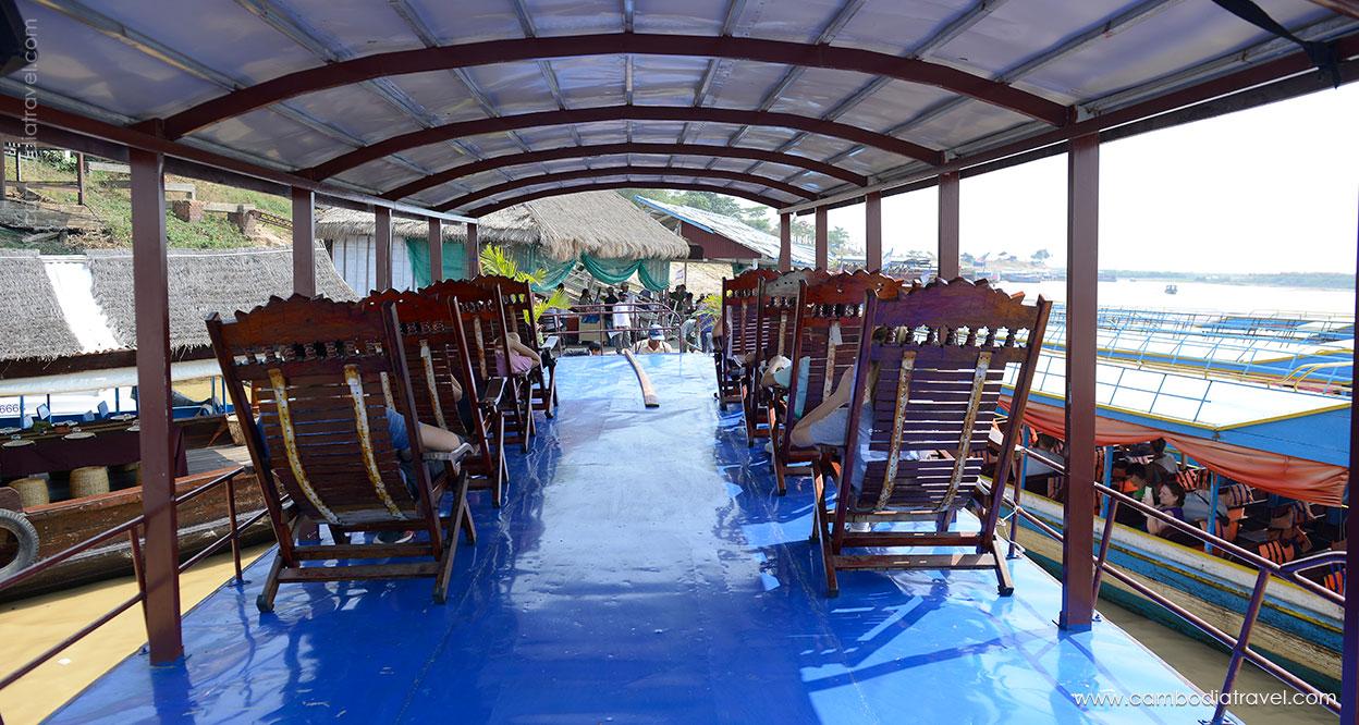 Cambodia-Siem-Reap-Tonle-Sap-Lake-13