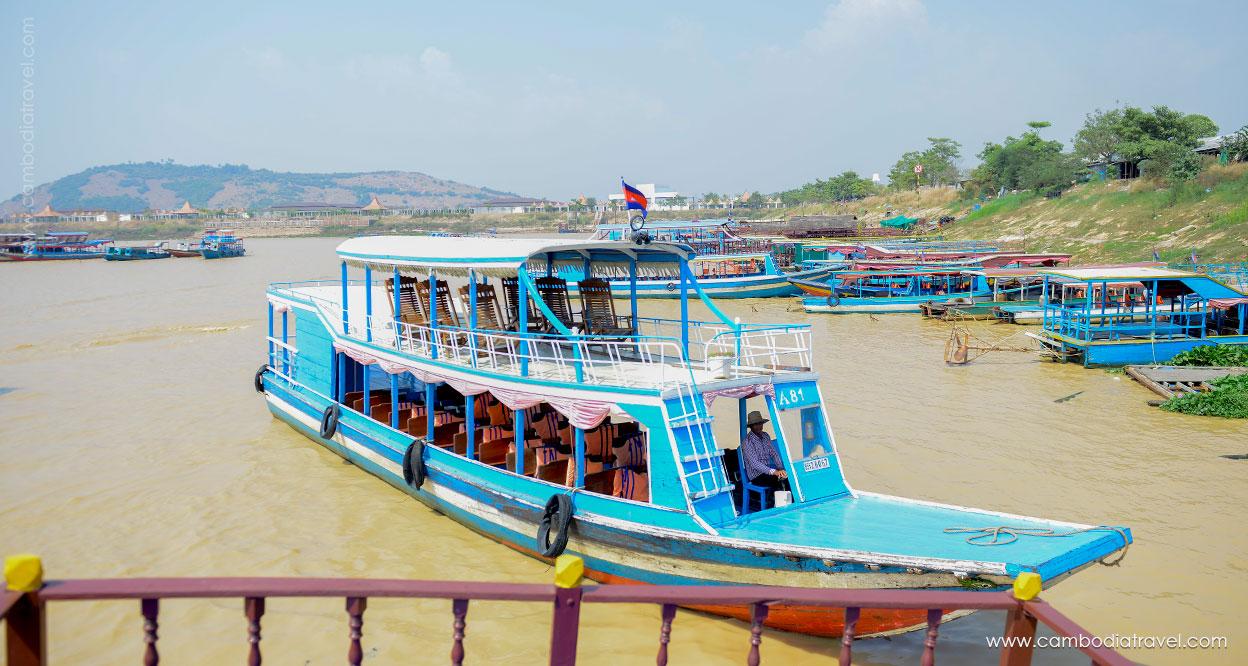 Cambodia-Siem-Reap-Tonle-Sap-Lake-14