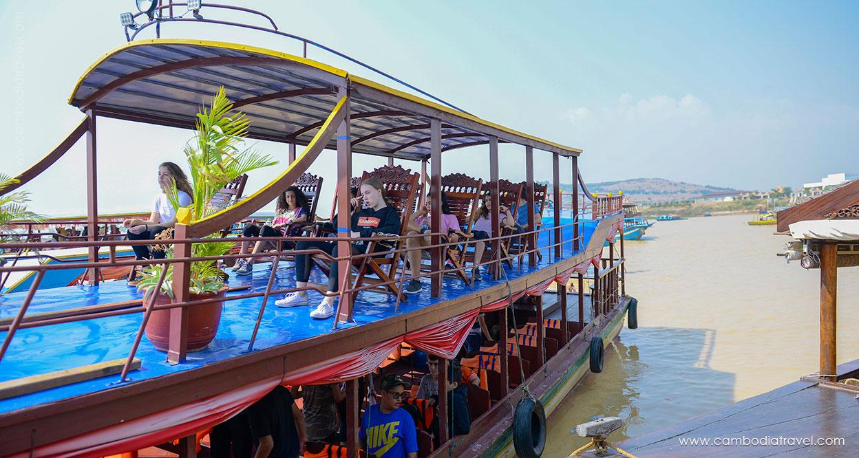 Cambodia-Siem-Reap-Tonle-Sap-Lake-16