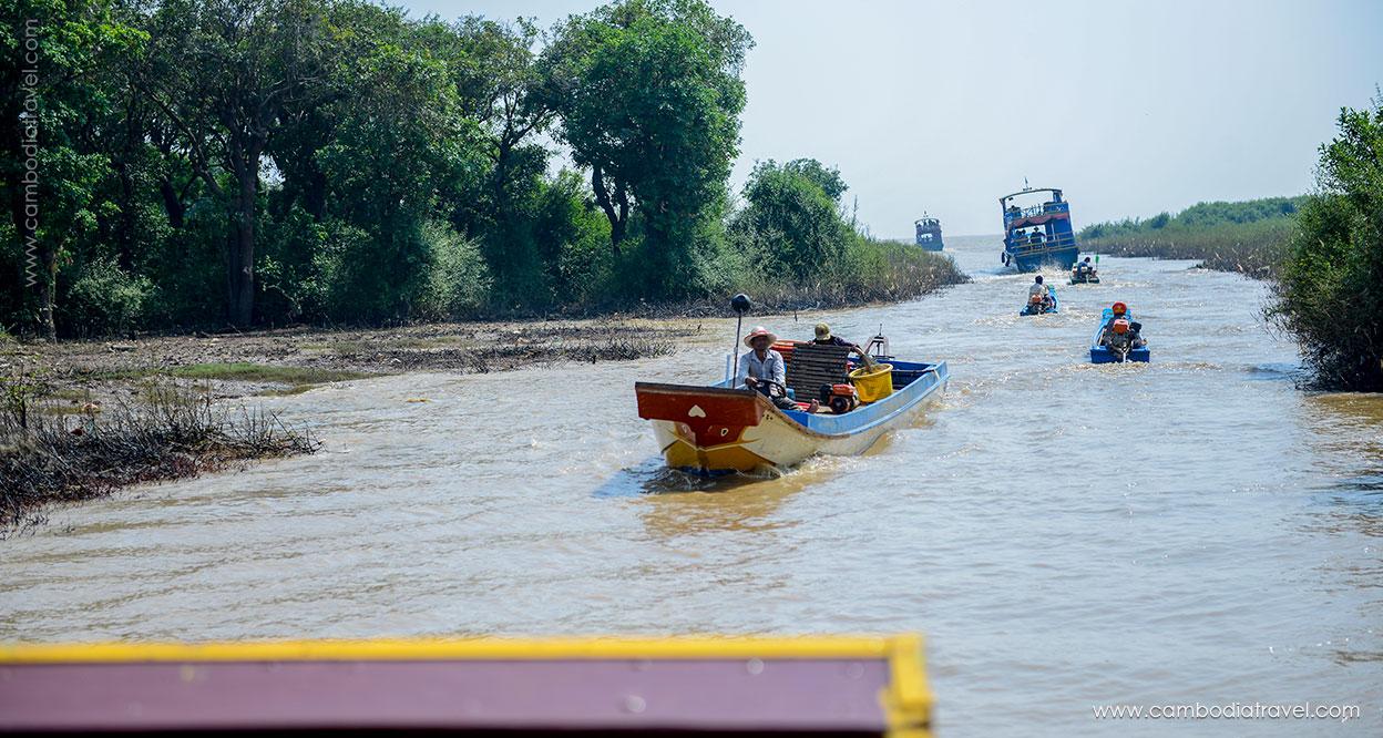 Cambodia-Siem-Reap-Tonle-Sap-Lake-9