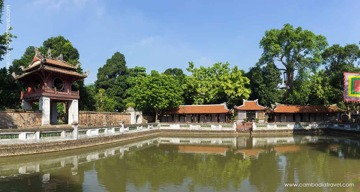 Combodia-Travel-The-Temple-of-Literature-4