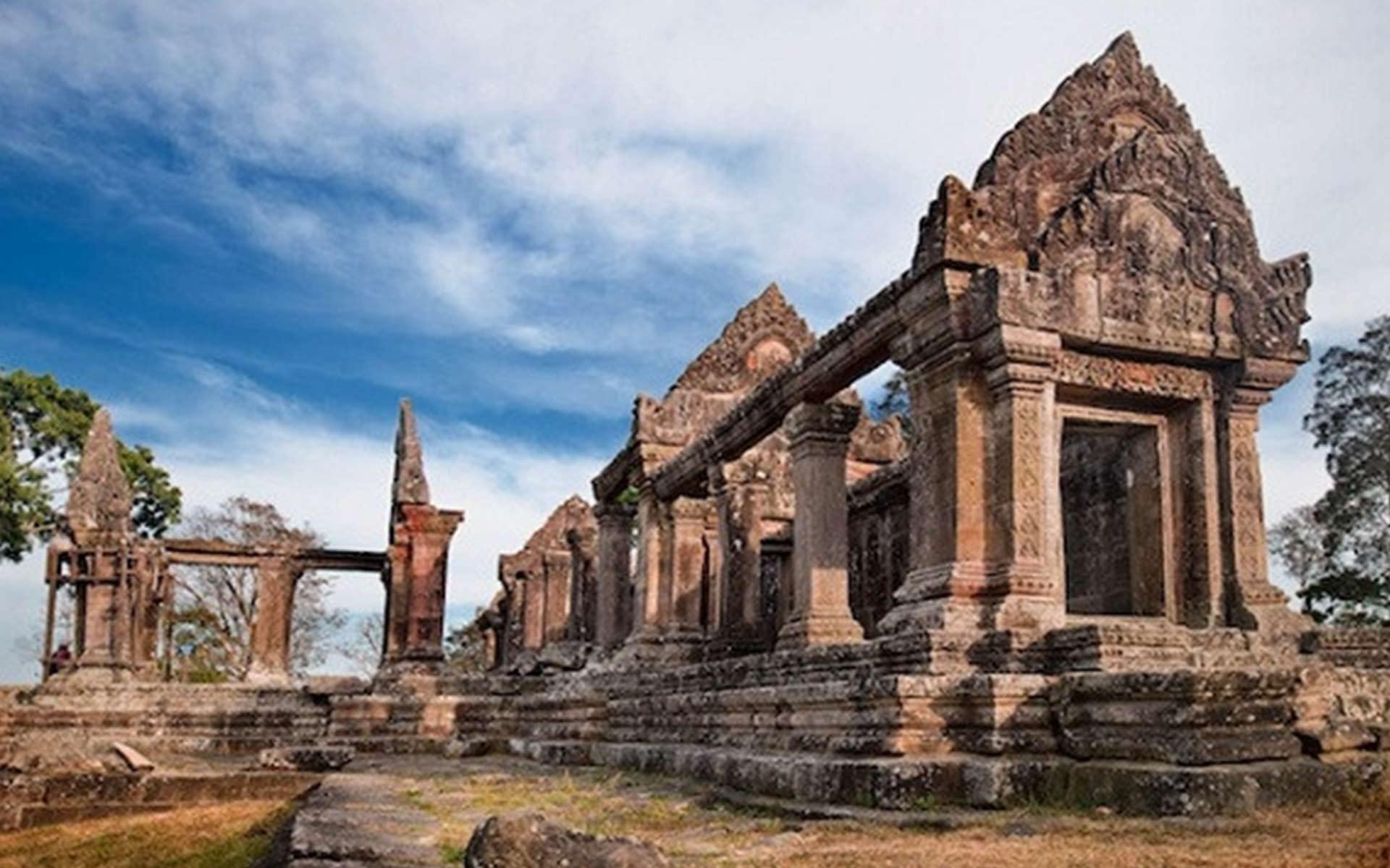 Explore Preah Vihear Temple 2 days