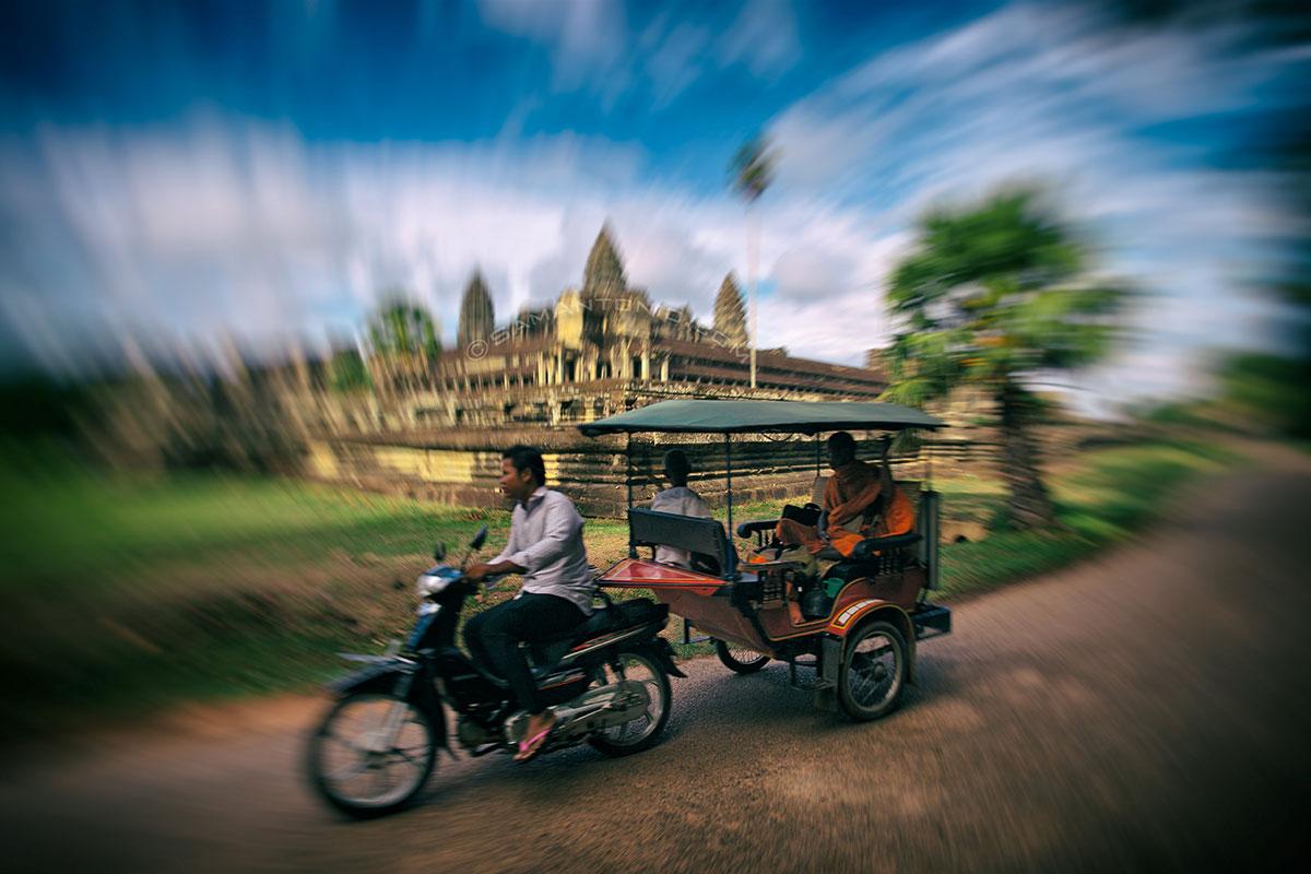 tuk tuk in Angkor Wat