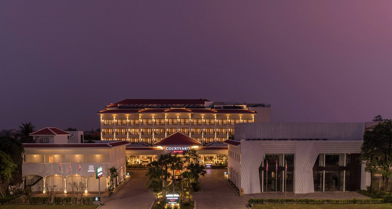 COURTYARD Marriott Siem Reap features award-winning Khmer architecture, forward-thinking amenities and sleek décor.