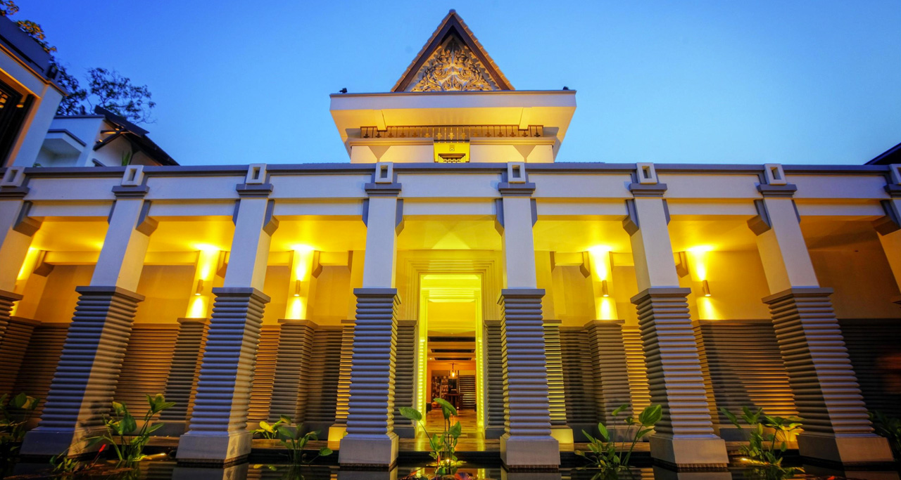 3 star Queen Grand Boutique Hotel is conveniently located within walking distance to the Independence Monument.