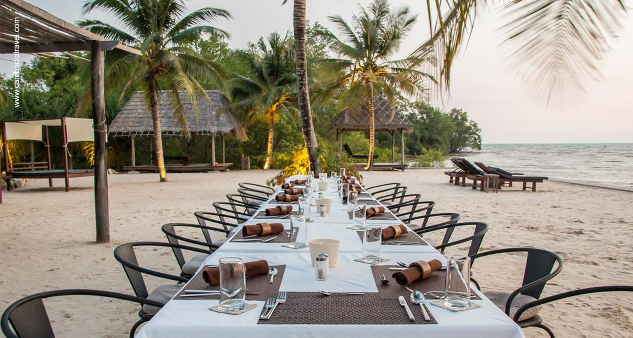 Private dinner arrangement on the beach in Samanea Beach Resort.