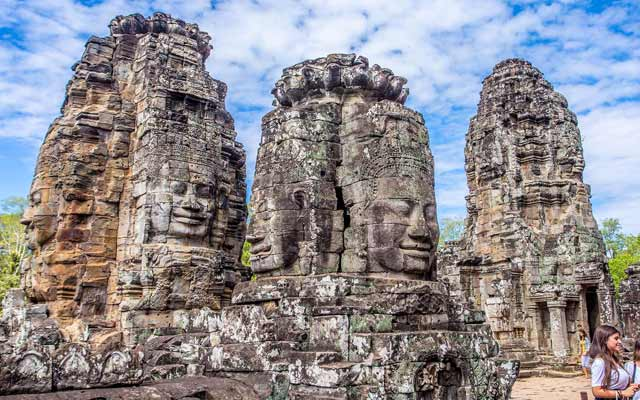 Bayon Temple Travel Guide